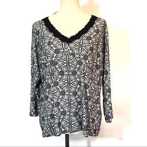 Dressbarn Long Sleeve Black & White Lace Neck Top